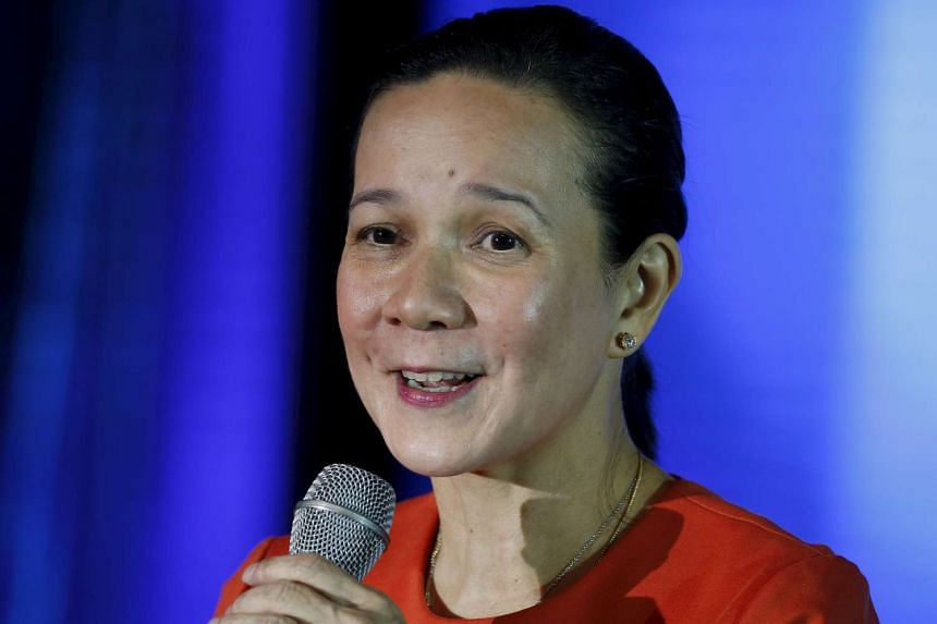 Senator Grace Poe speaking at a business forum in Pasay city on Oct 27.