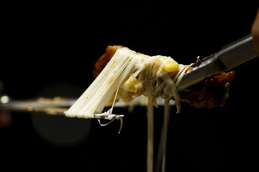 Many diets recommend more fruit, vegetables and complex carbohydrates, while avoiding refined sugars and carbs, and too much fat, such as this cheese and pork rib combination.