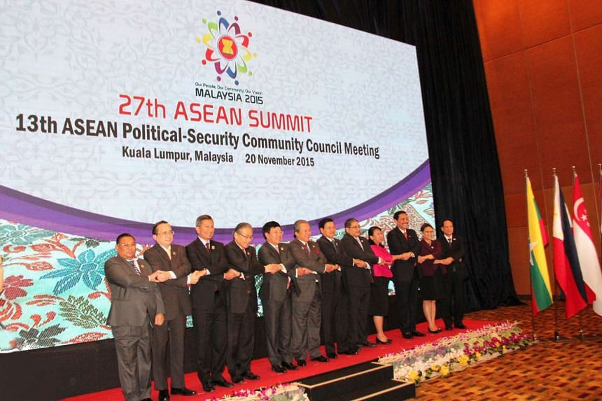 Minister for Foreign Affairs Dr Vivian Balakrishnan (third from left) at the 13th Asean Political-Security Community Council Meeting, on Nov 20, 2015.