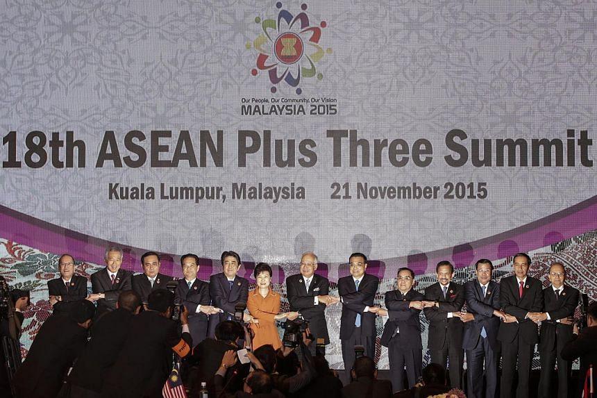 ASEAN leaders at the ASEAN summit in Kuala Lumpur, Malaysia, Nov 21, 2015.