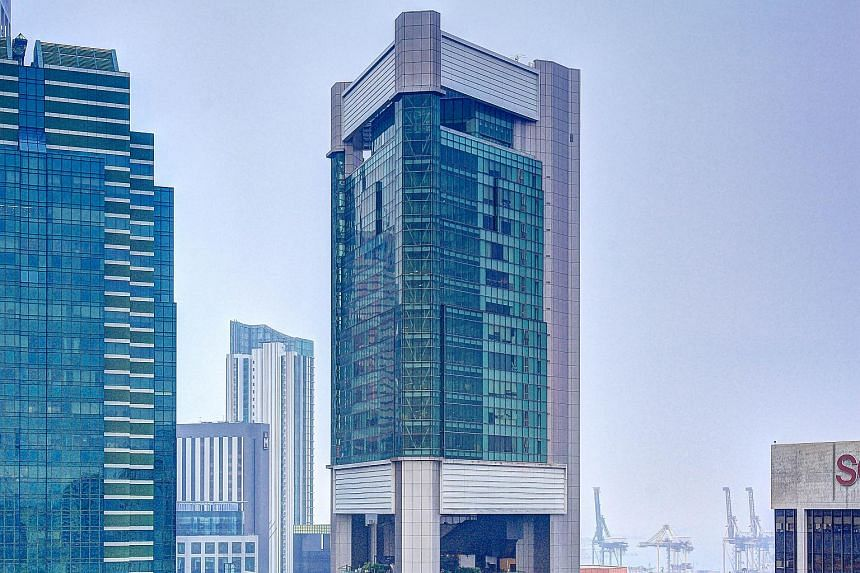 Tower Fifteen at 15 Hoe Chiang Road is a 29-storey office tower, which includes an annex three-storey hotel podium.