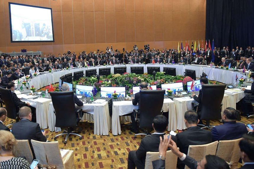 A session of the 10th East Asia Summit (EAS) at the 27th Asean summit in Kuala Lumpur