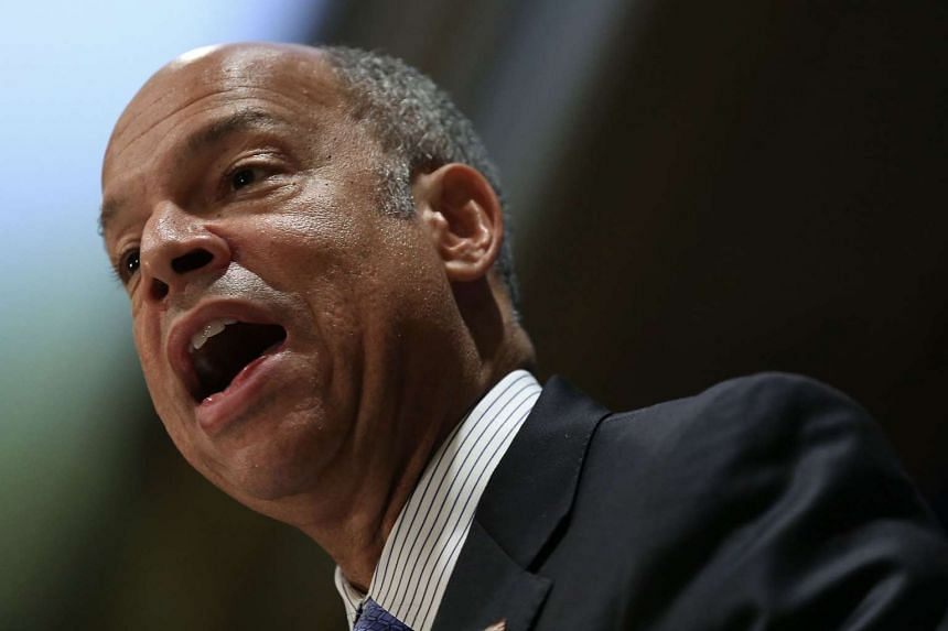 US Secretary of Homeland Security Jeh Johnson is urging Americans to not change their Thanksgiving holiday plans.