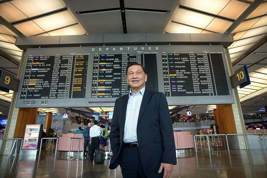 """Changi Airport Group chairman Liew Mun Leong said the captain and crew of SQ001 """"handled the situation very well, such that all passengers remained calm even as the potential seriousness of the situation dawned on them""""."""