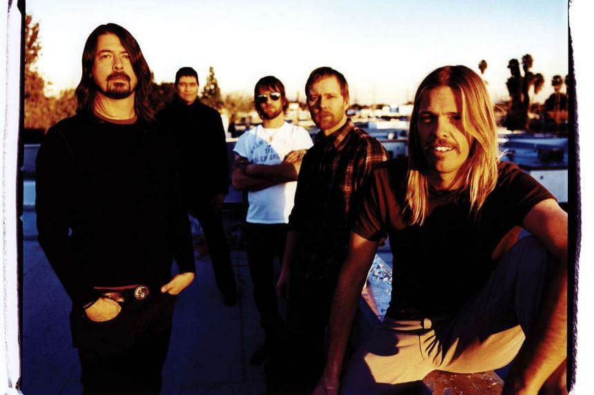 American rock band Foo Fighters will release a new EP free in honour of victims of the Paris attacks.