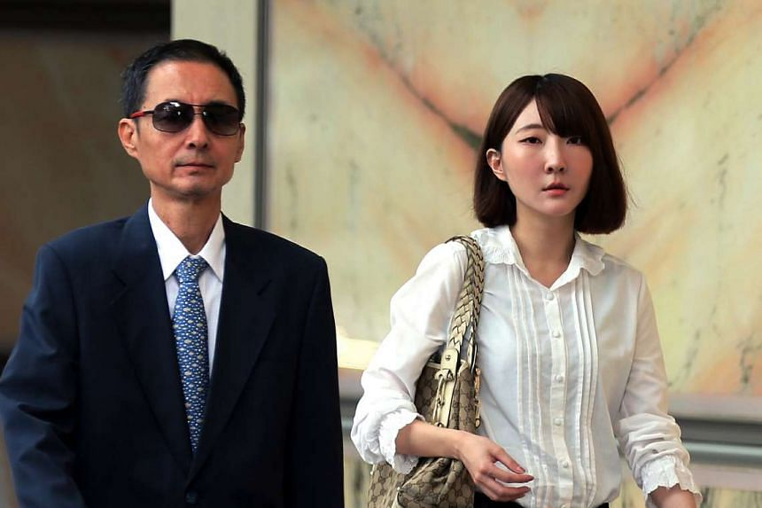 Madam Ding Weibo's husband You Bujia and daughter Ding Xiao Sui arrive in the Supreme Court.