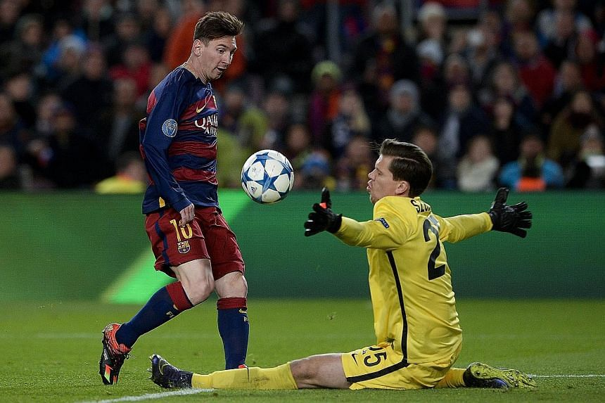 Fit-again Lionel Messi gets the better of Wojciech Szczesny to score as Barcelona put up an attacking masterclass against Roma.