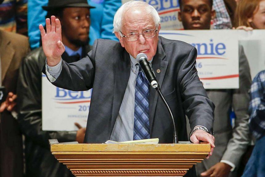 US Democratic presidential candidate, Vermont Senator Bernie Sanders speaks at a campaign rally at the Fox Theatre in Atlanta, Georgia, USA, Nov 23, 2015.