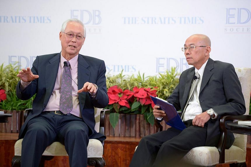 ESM Goh Chok Tong (left) and Mr Han Fook Kwang at forum organised by EDB Society and The Straits Times at Old Parliament House, on Nov 26, 2015.