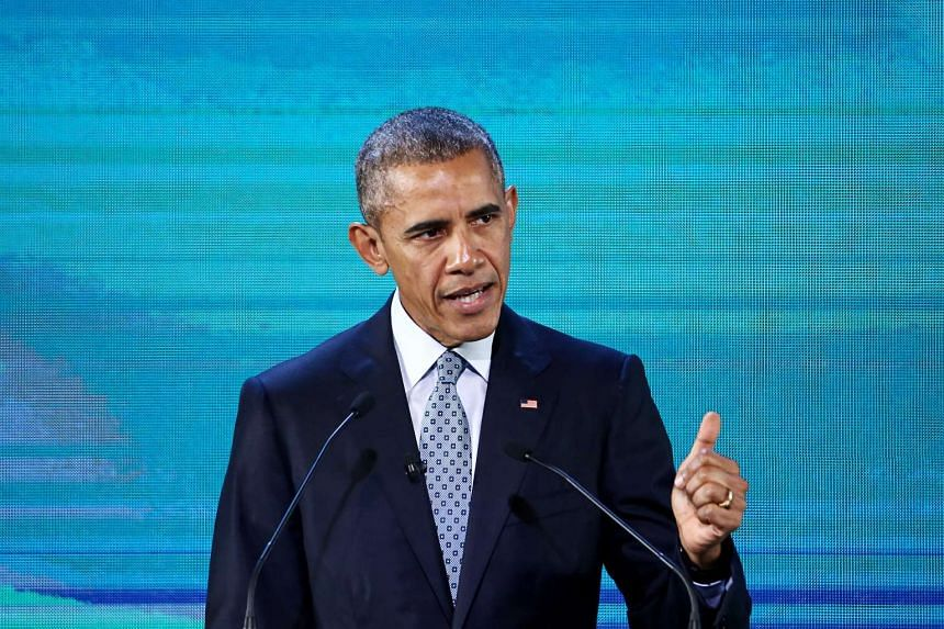 US President Barack Obama speaking at the APEC CEO Summit in Manila on Nov 18.