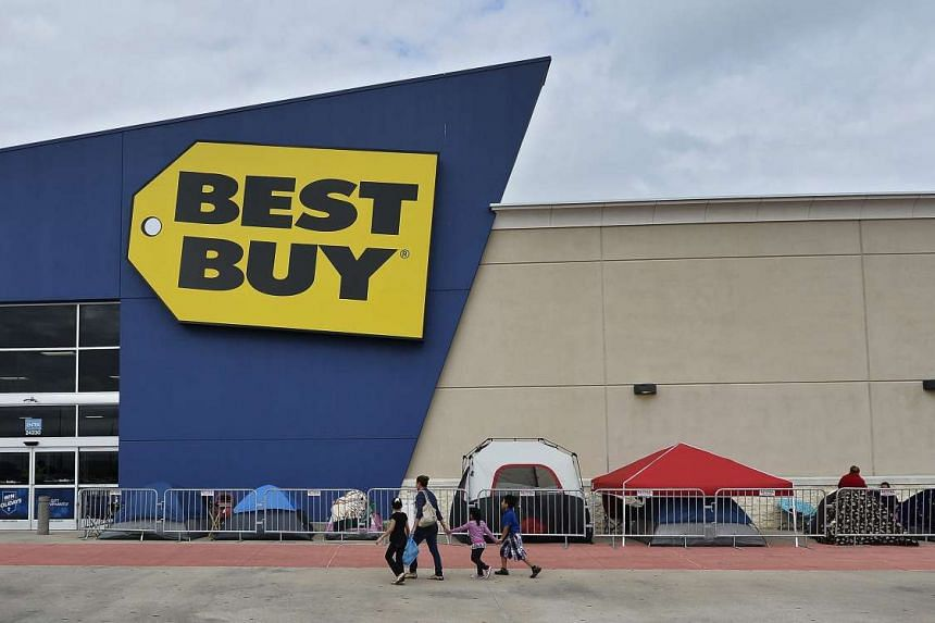Shoppers in Texas camping outside a Best Buy store on Wednesday, two days ahead of Black Friday. The event is held a day after Thanksgiving, which falls on the fourth Thursday of November, and is when many stores have special offers.