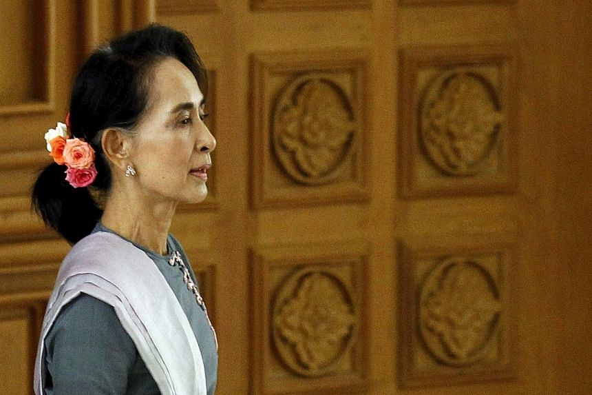Ms Aung San Suu Kyi's pre- and post- election remarks show she is keen to lead not only her party but also the next government.