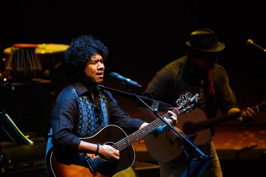 Concert review: Papon and The East India Company entertain with