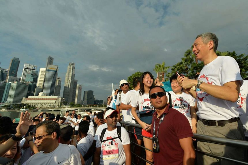 PM Lee outside the Esplanade during SG50 Jubilee Big Walk on Nov 29, 2015.