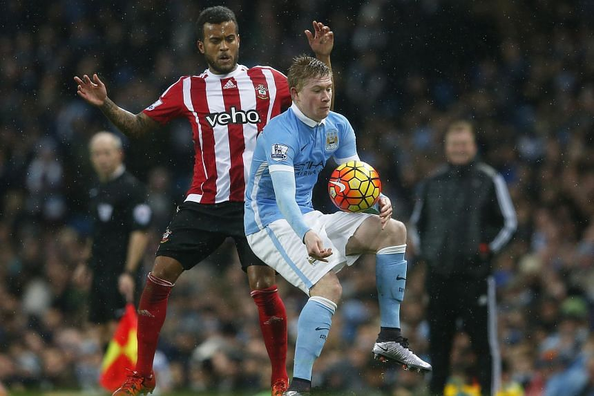 Manchester City's Kevin De Bruyne in action with Southampton's Ryan Bertrand.