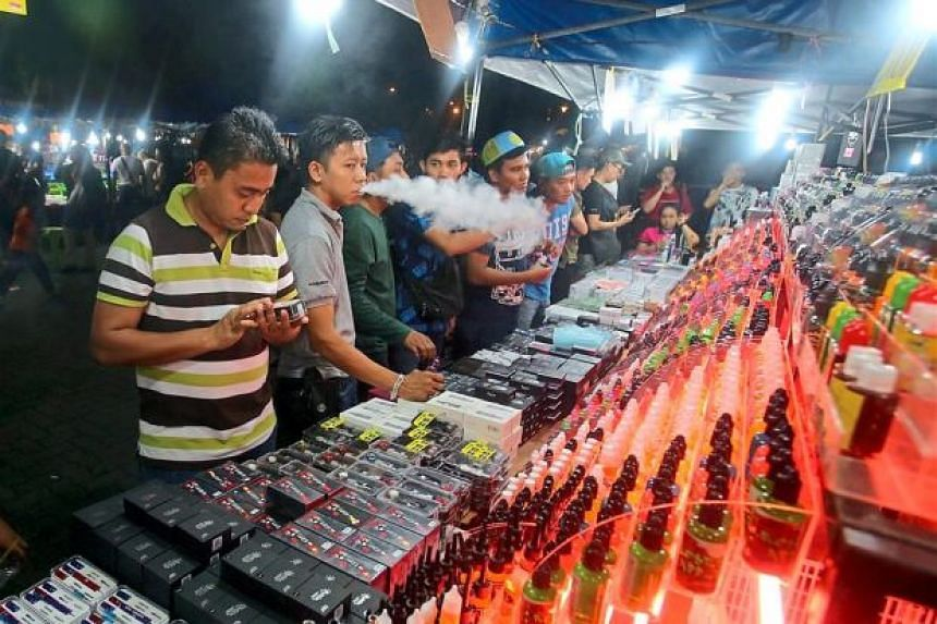 The young have easy access to the 'mods' and juices as they are on sale everywhere, even in the local pasar malam.