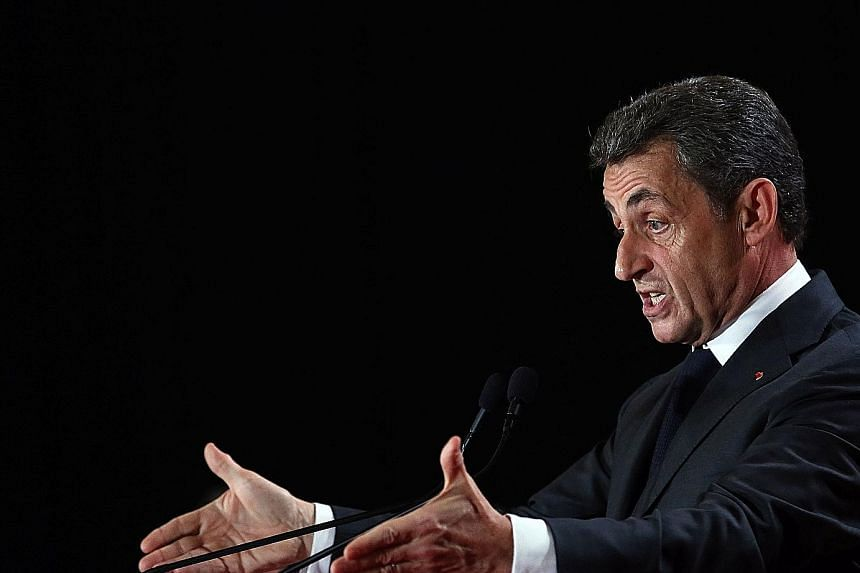 Republican leader Nicolas Sarkozy's opposition to a tie-up with French President Francois Hollande's Socialists will mean the far right National Front will be better placed to win regional councils in polls.