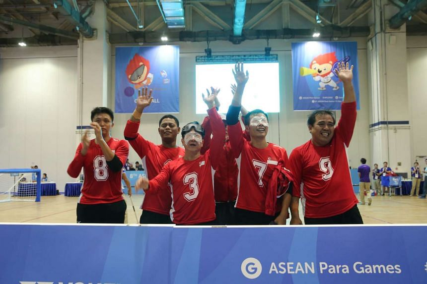 Singapore's goalball paralympic athletes acknowledging the crowd for their support on Dec 4, 2015.