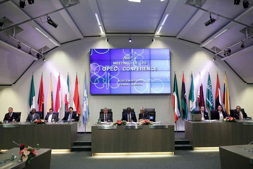 Delegates prepare ahead of the 168th OPEC meeting on Dec 4, 2015.