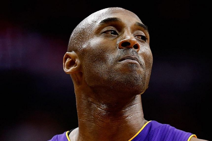 The Lakers veteran played like the young Kobe Bryant with a season-high score, as his team beat the Wizards for just their third win.