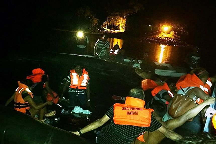 Passengers  are being rescued after Batam-Singapore ferry hits floating object.