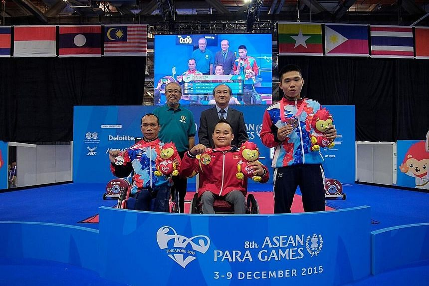 Nguyen Binh An's winning effort of 175kg fell short of his Asian record but was way higher than the lifts by Thais Sukjarern Choochat (150kg) and Pongsao Amorntep (123kg). An wants to change the lives of disabled people.