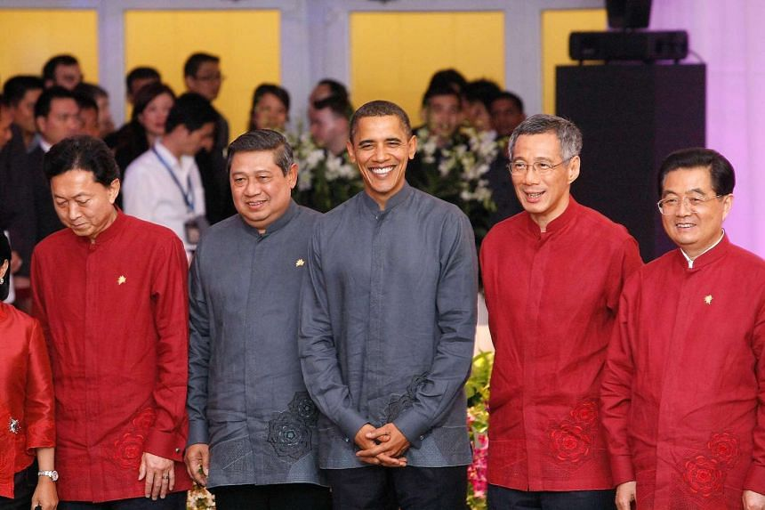 At the Apec meetings held in Singapore in 2009 were (from left) then-Japanese Prime Minister Yukio Hatoyama; then-Indonesian President Susilo Bambang Yudhoyono; United States President Barack Obama, Singapore Prime Minister Lee Hsien Loong and then-Chines