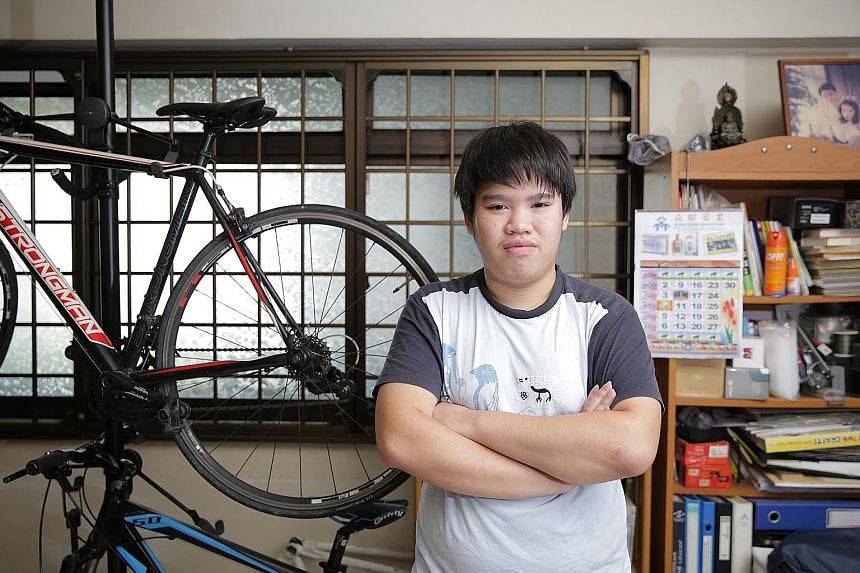 Loke Jia Jun attended the CDAC's tuition classes on weekday evenings to improve his grades in English and Mathematics. He is currently waiting for his N-level results.