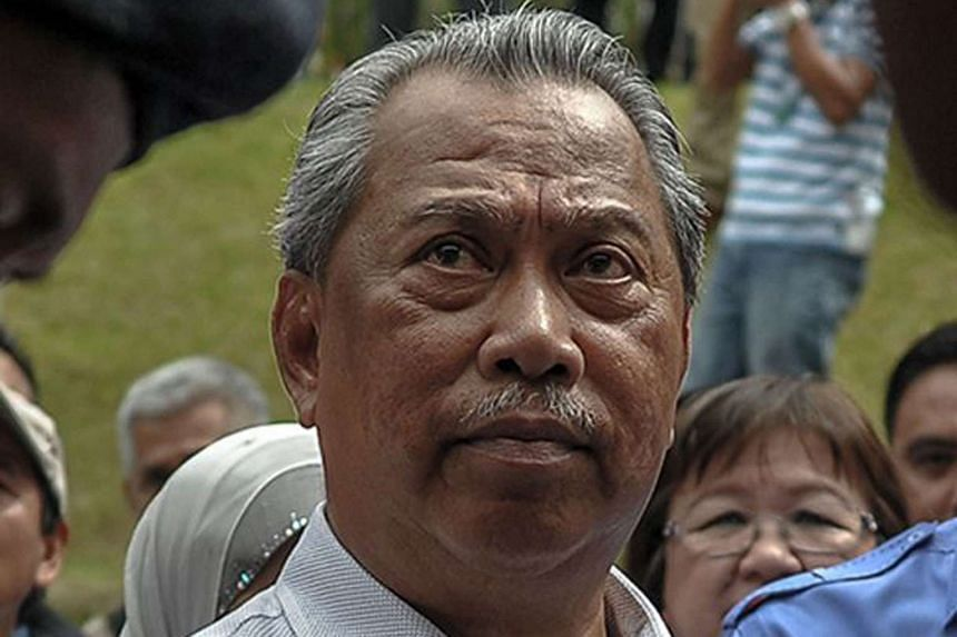 Umno deputy president Muhyiddin Yassin suggested Malaysian PM Najib Razak take a break to allow ongoing investigations to be carried out independently.