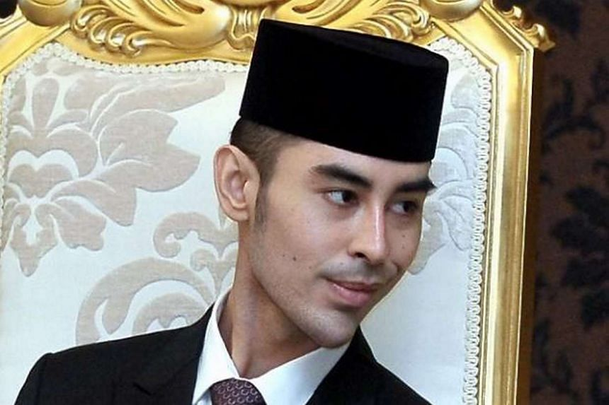 Tunku Abdul Jalil Sultan Ibrahim died of cancer on Dec 5, 2015. He was 25.