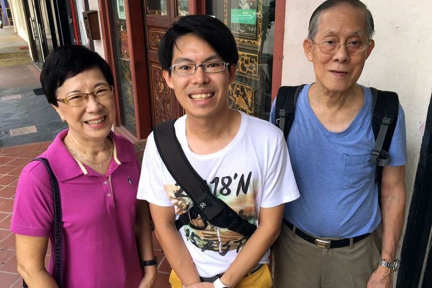 Mr Kenneth Lai (centre) turned up at Strangers' Reunion cafe with his parents Tay Boh Hiong (left) and Lai Chie Kai.