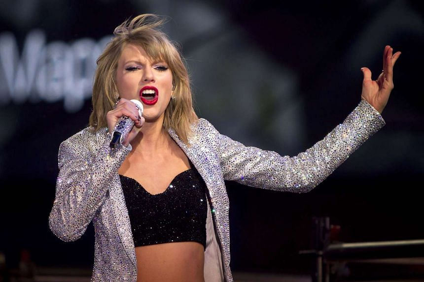 Taylor Swift performs in Times Square on New Year's Eve in New York on  Dec 31, 2014.