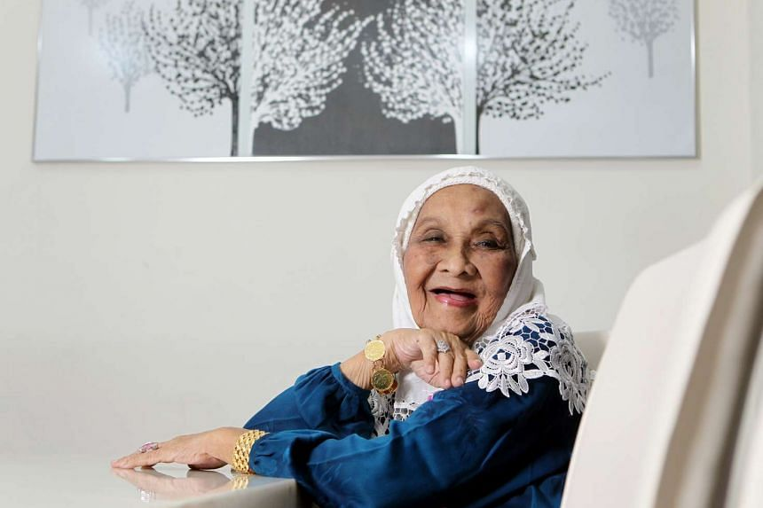 Singer-actress Momo Latiff was a veteran from the golden age of Malay cinema.