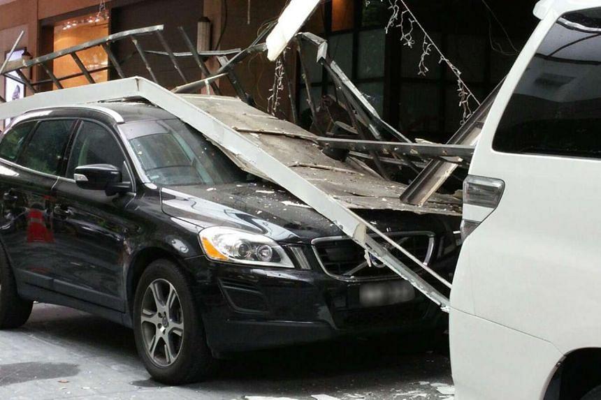 Two cars were damaged when the ceiling of the driveway at the Hilton Singapore collapsed on Dec 13, 2015.