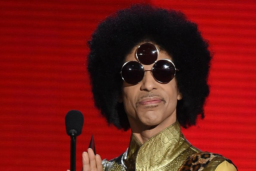 Prince speaks at the 2015 American Music Awards in Los Angeles on Nov 22.