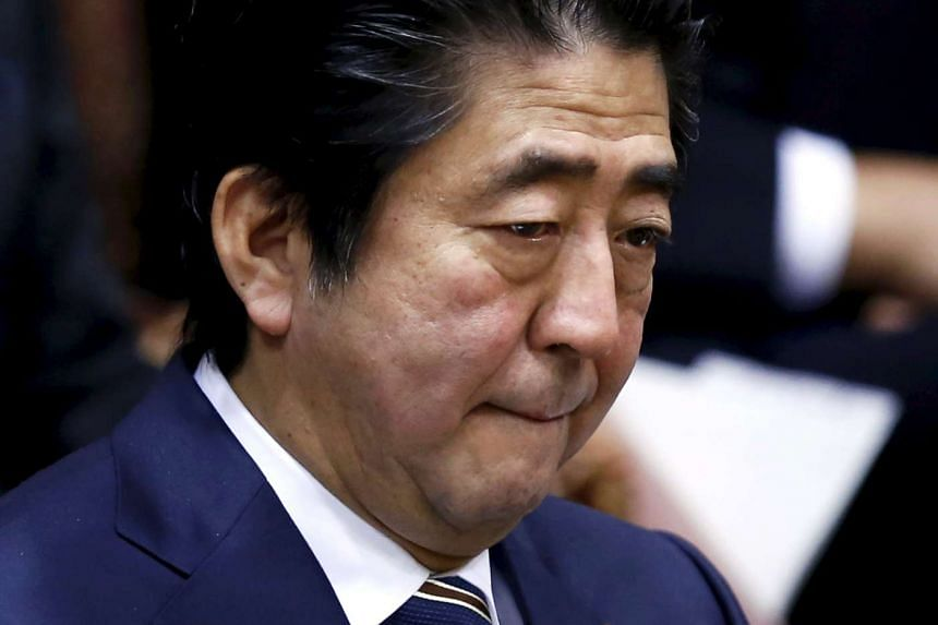 Prime Minister Shinzo Abe welcomed a South Korean court's not-guilty ruling on a Japanese journalist.
