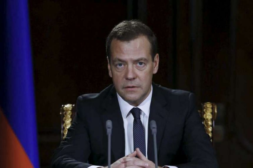 Russian Prime Minister Dmitry Medvedev said that he signed a decree to introduce a food embargo against Ukraine starting from next month.