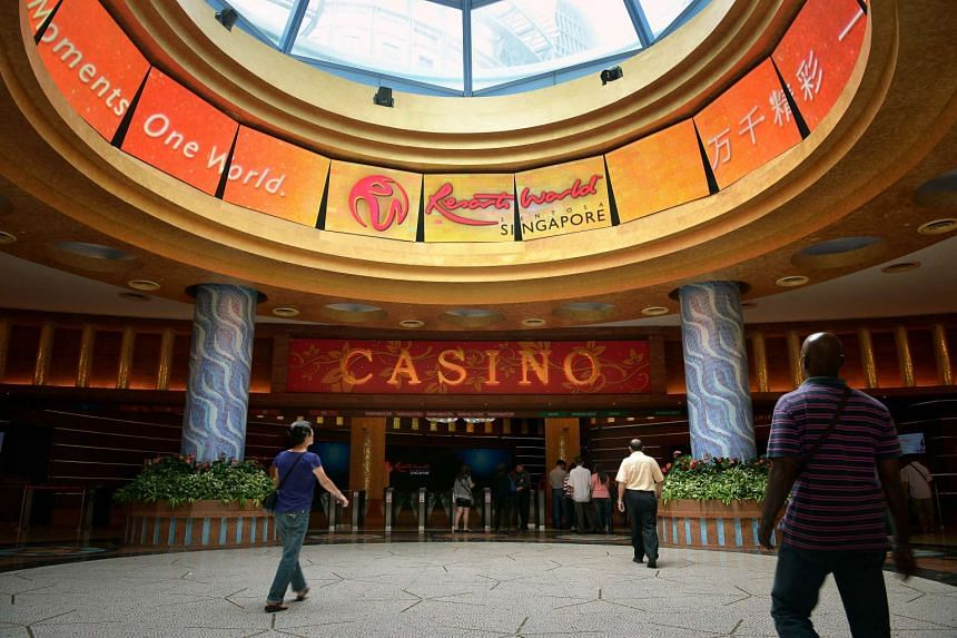 Four people were arrested for allegedly cheating patrons at both the Resorts World Sentosa and Marina Bay Sands casinos.
