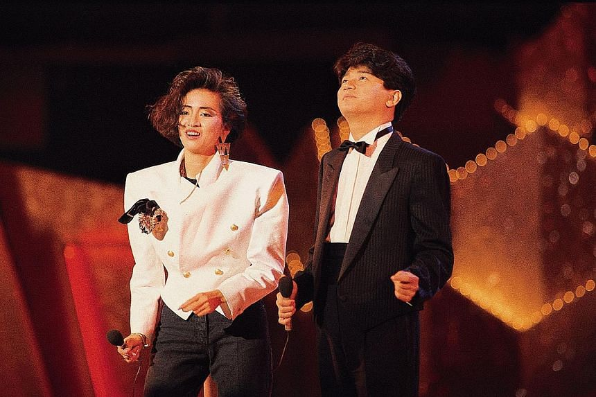 Friends and fans of the late singer Anita Mui teamed up to buy her collection of records by her old flame Masahiko Kondo (above, with Mui) as well as her New Talent Singing Award from 1982.