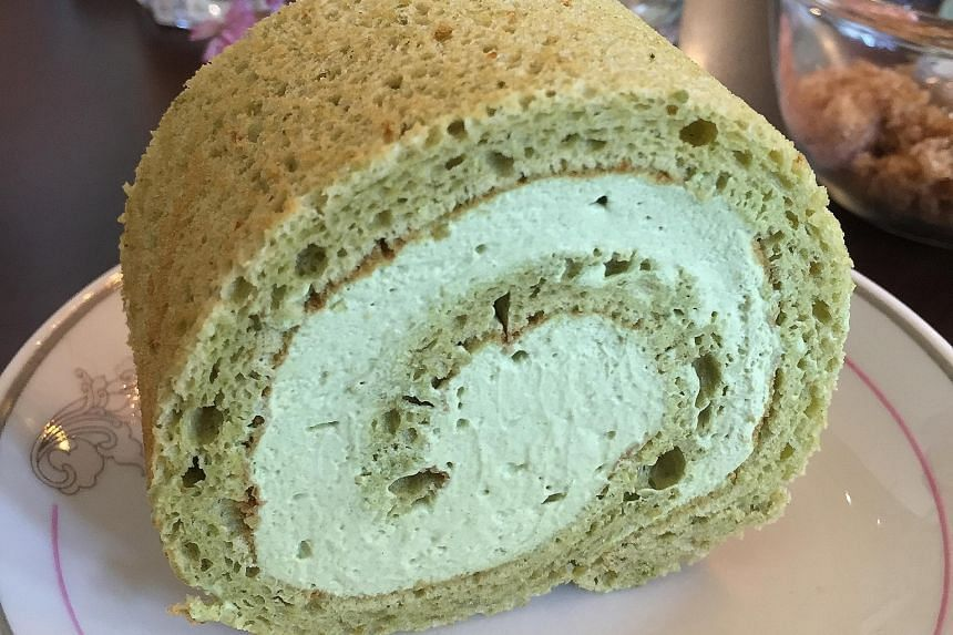The matcha Swiss roll is infused with the right amount of green tea flavour.