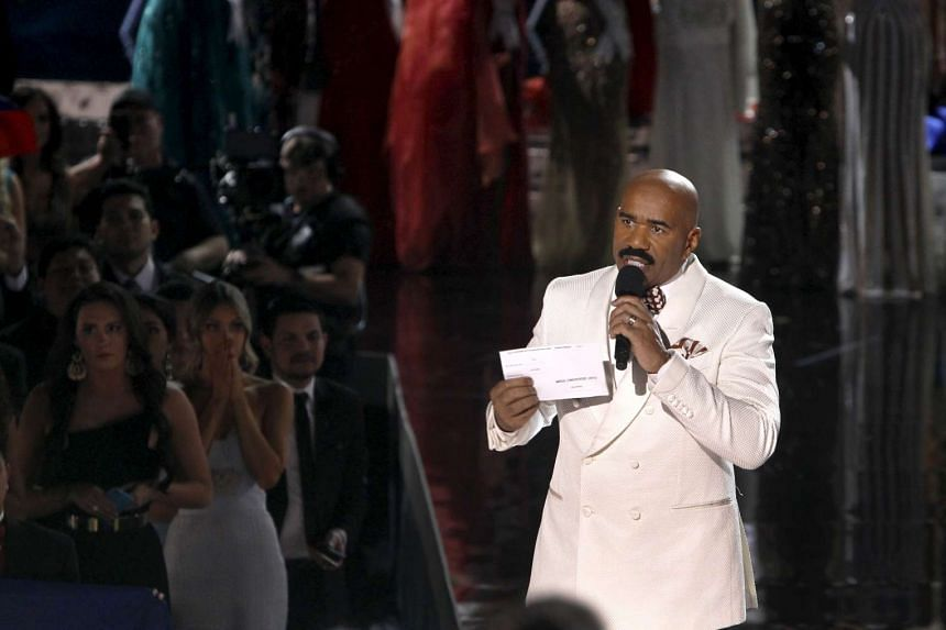Comedian and TV host Steve Harvey announced Miss Colombia instead of Miss Philippines as the winner of the Miss Universe pageant last Sunday. On Christmas Day, he poked fun at himself by tweeting Easter greetings.