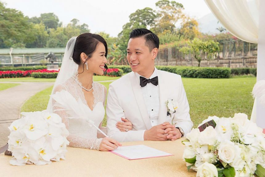 Former TVB star Myolie Wu and businessman Philip Lee married after falling in love at first sight and dating for a year.