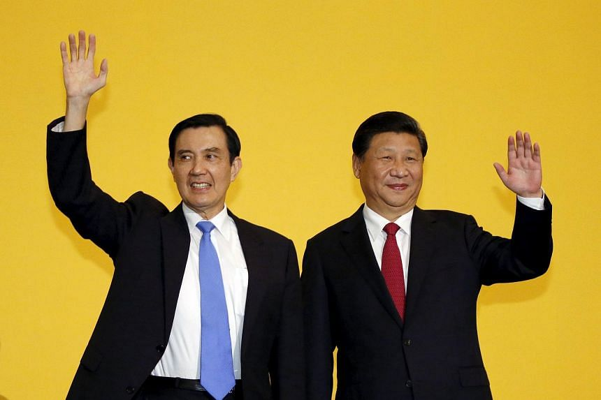 Chinese President Xi Jinping and Taiwan's President Ma Ying-jeou (left) at their summit in Singapore.