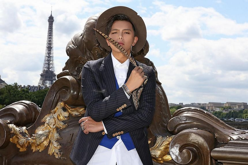 Alien Huang plans to hold a concert in Taiwan and is starring in two movies.