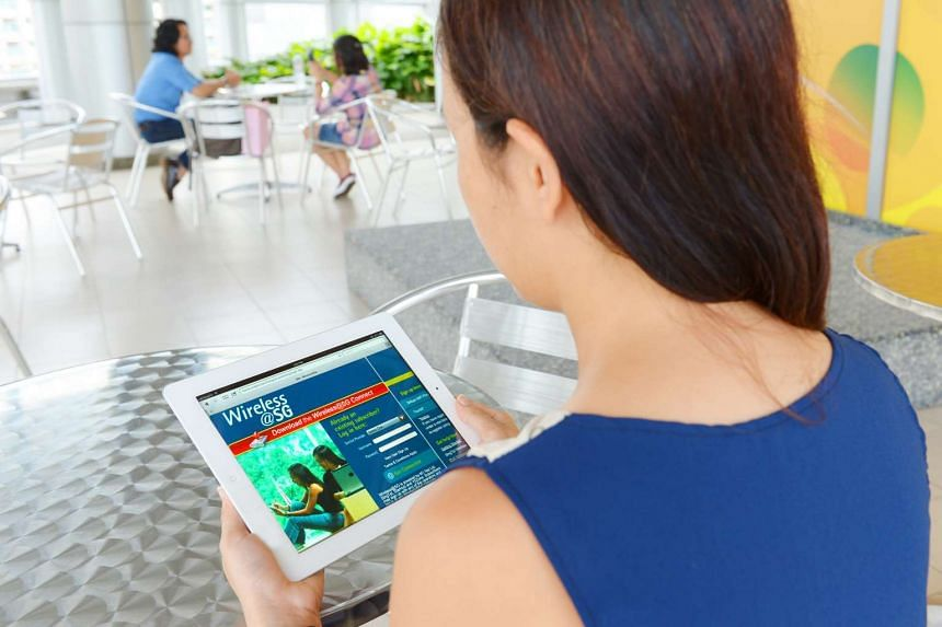 A user accessing Wireless@SG.