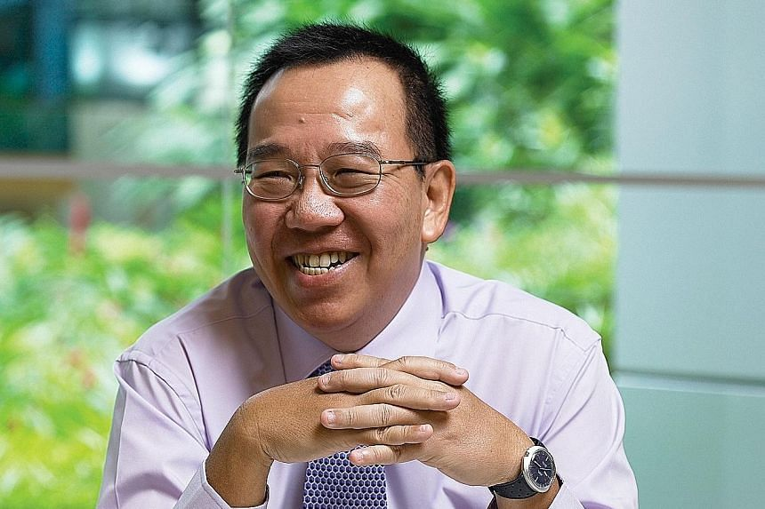 Mr Leslie Fong's 46-year stint with SPH included 15 years as editor of The Straits Times, as well as three years as chief editor of the Chinese- language Shin Min Daily News. He moved to head SPH's marketing division in 2005.