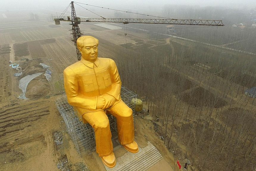A huge gold-painted statue of former Chinese leader Mao Zedong is being erected in Tongxu county in China's central Henan province. Construction of the 36.6m-high statue has been going on for nine months and is funded by local entrepreneurs.