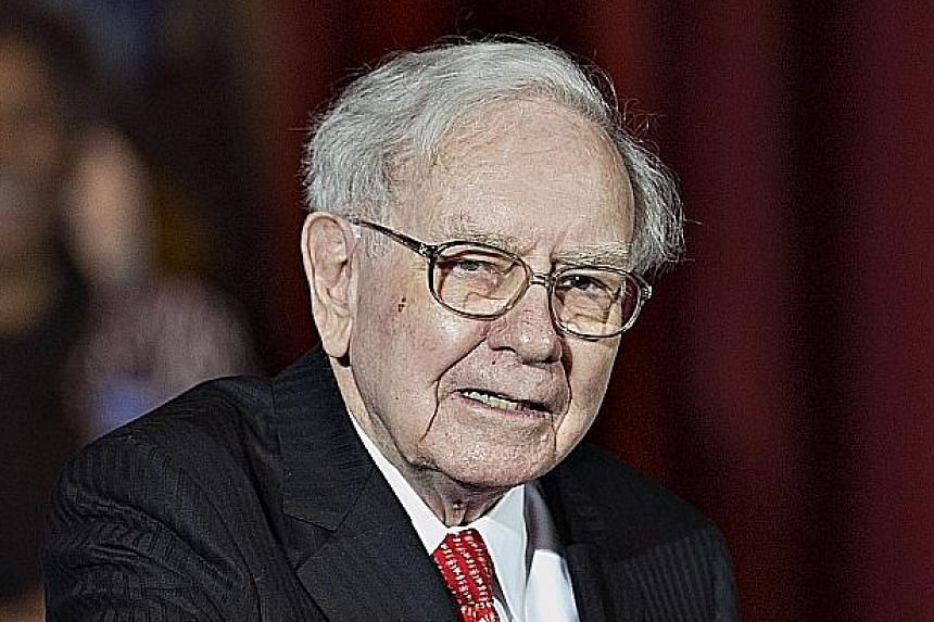 BIG LOSERS: Berkshire Hathaway chief executive Warren Buffett (above), Mexico's telecommunications mogul Carlos Slim and Microsoft co-founder Bill Gates lost a combined US$2.5b