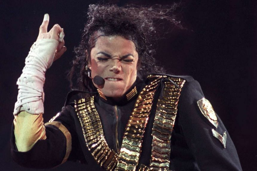 Pop superstar Michael Jackson performs in Sao Paulo, Brazil, in this Oct 15, 1993, file photo.