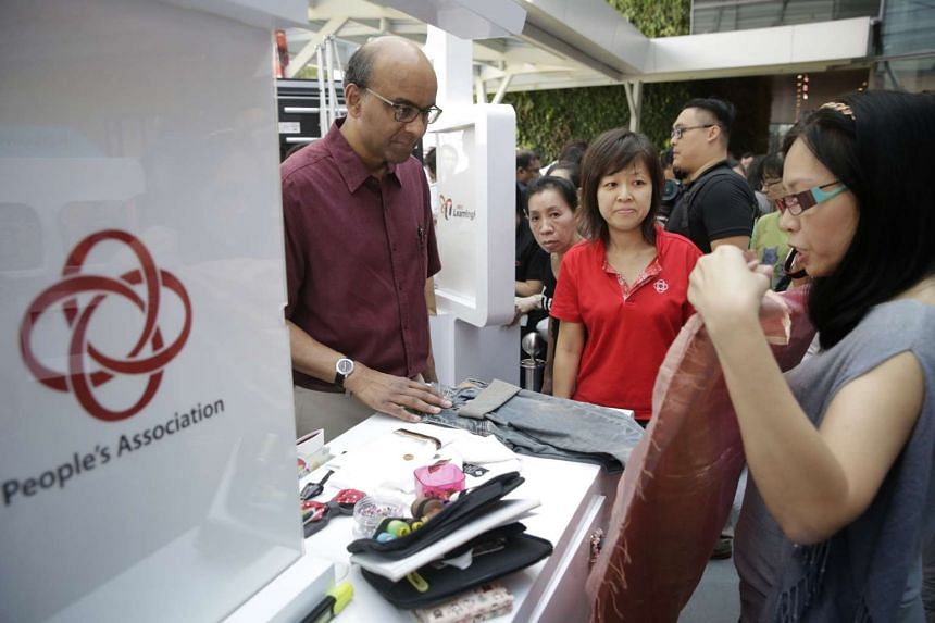 Deputy Prime Minister Tharman Shanmugaratnam touring booths at the SkillsFuture Marketplace at Westgate on Jan 9.